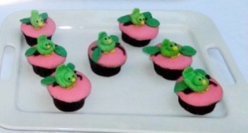 Baby birds baby shower cupcakes